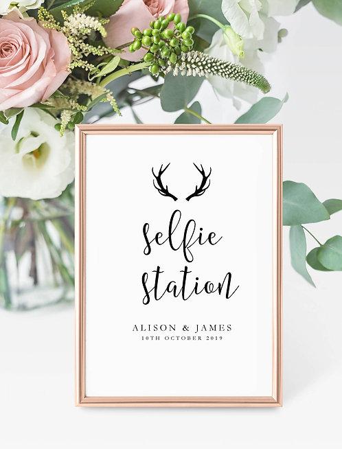Antler design personalised 'Selfie Station' sign-UNFRAMED