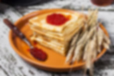 2017Food_Pancakes_with_red_caviar_and_sp
