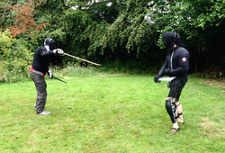 Messer vs dagger and stick