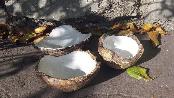 Set of 3 Nesting Stone Dishes - brilliant white