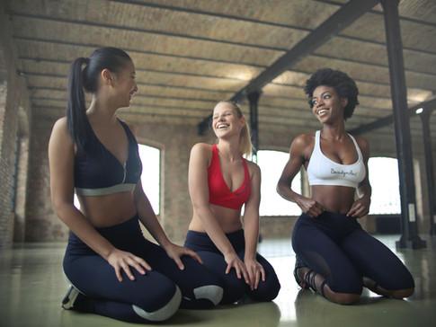 fit-fitness-friends-866023.jpg