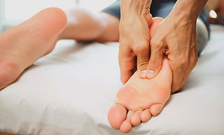 foot-massage-reflexology-chester_edited.