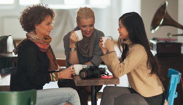 networking tips photographer women talking