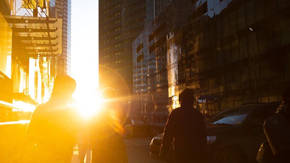 golden hour street photography light flare