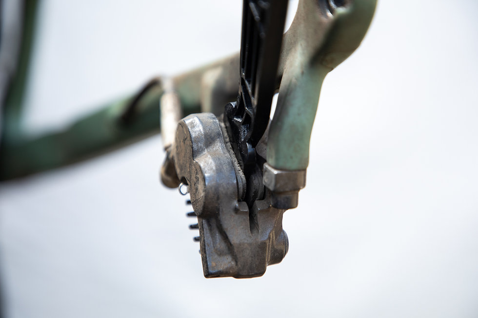 Bicycle brak pad separator