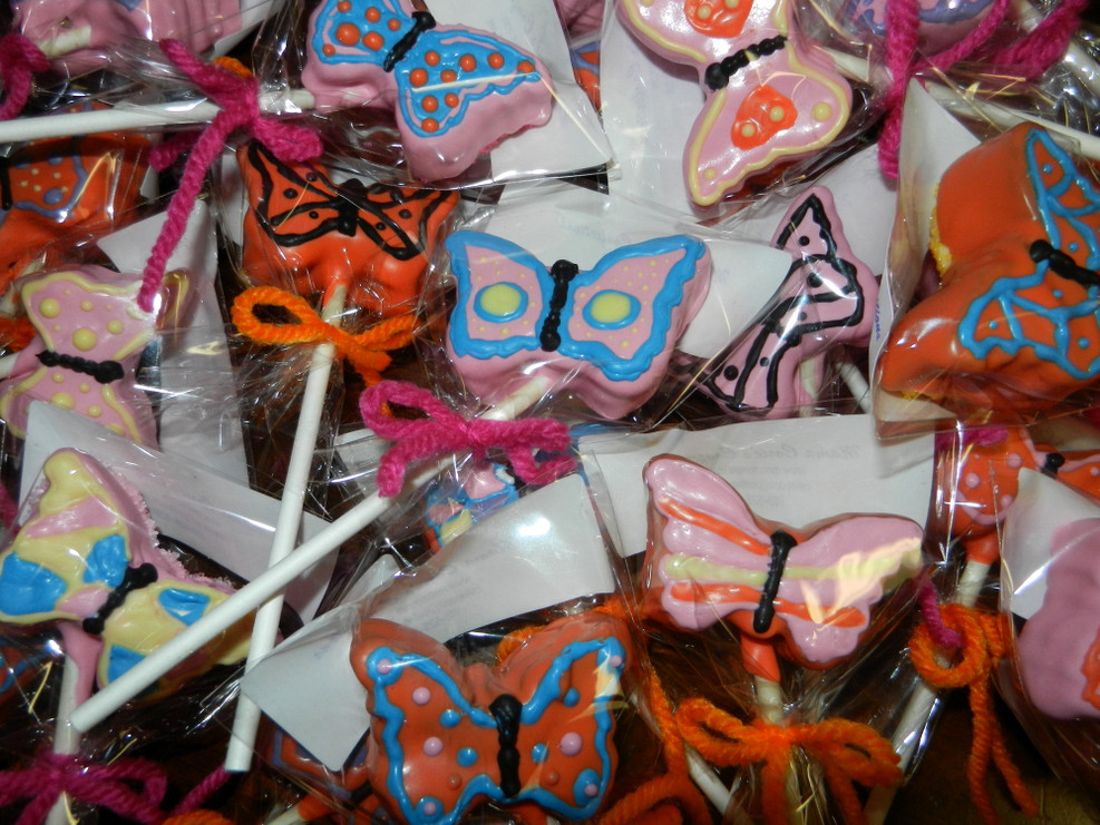 Butterfly Cake Pops.jpg