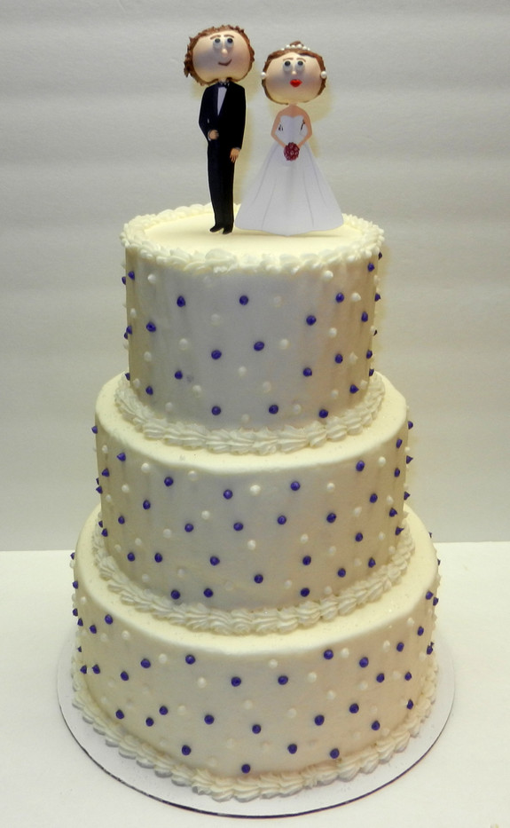 Wedding Cake with Bride and Groom.jpg