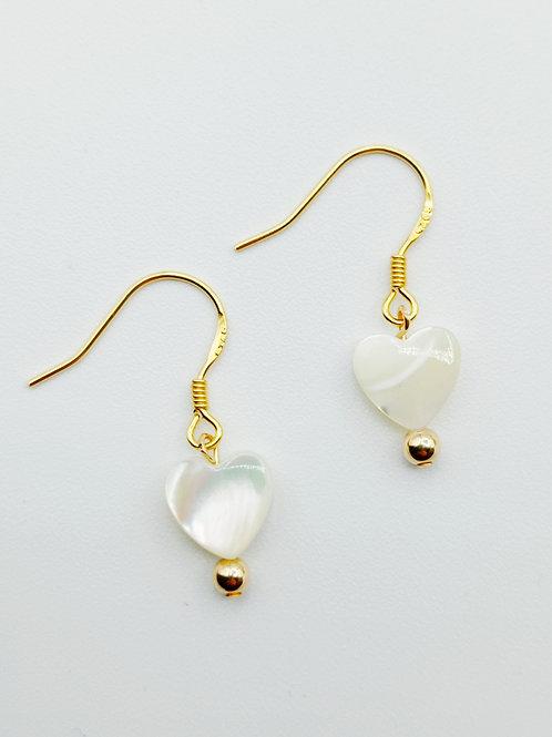 Boucles d'oreilles plaqué or - Coeur Nacre