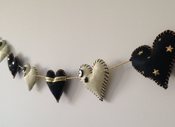 Guirlande coeurs beiges et noirs