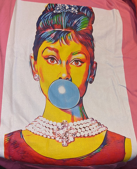 Bubble gum for breakfast at Tiffany's