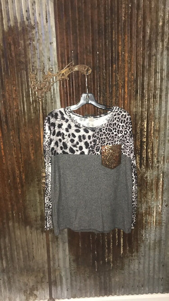 Fifth ray grey ,cheetah with gold sequin pocket