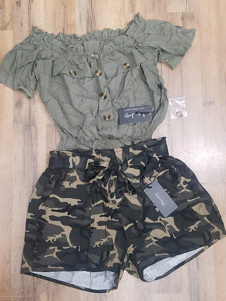 Shine star camo paper bag shorts