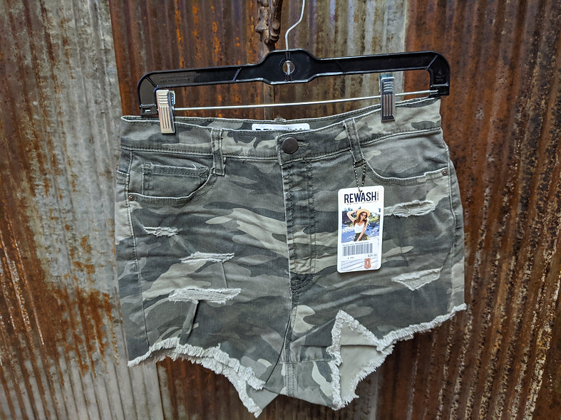 Rewash distressed camo shorts