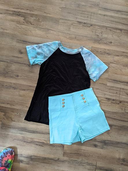 Magic fit Black top w teal tie dye sleeves