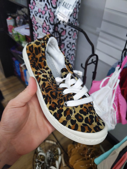 Leopard tennis