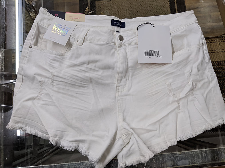 Angel Kiss plus sz white shorts