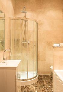 Room 5 Bathroom.jpg