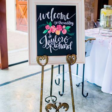 Wedding of Taylor & Richard Haas, St. Louis, MO  Photo Credit: Jen & Dayton Photography