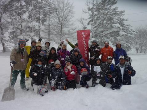 雪玉を投げ合いながらドキドキワクワク! ~スポーツ雪合戦を体験!~