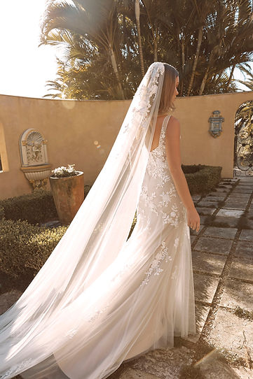 BLAYNE VEIL V987 CATHEDRAL LENGTH WITH LACE APPLIQUES PAIRED WITH GOWN ML19487 VEIL MADI L