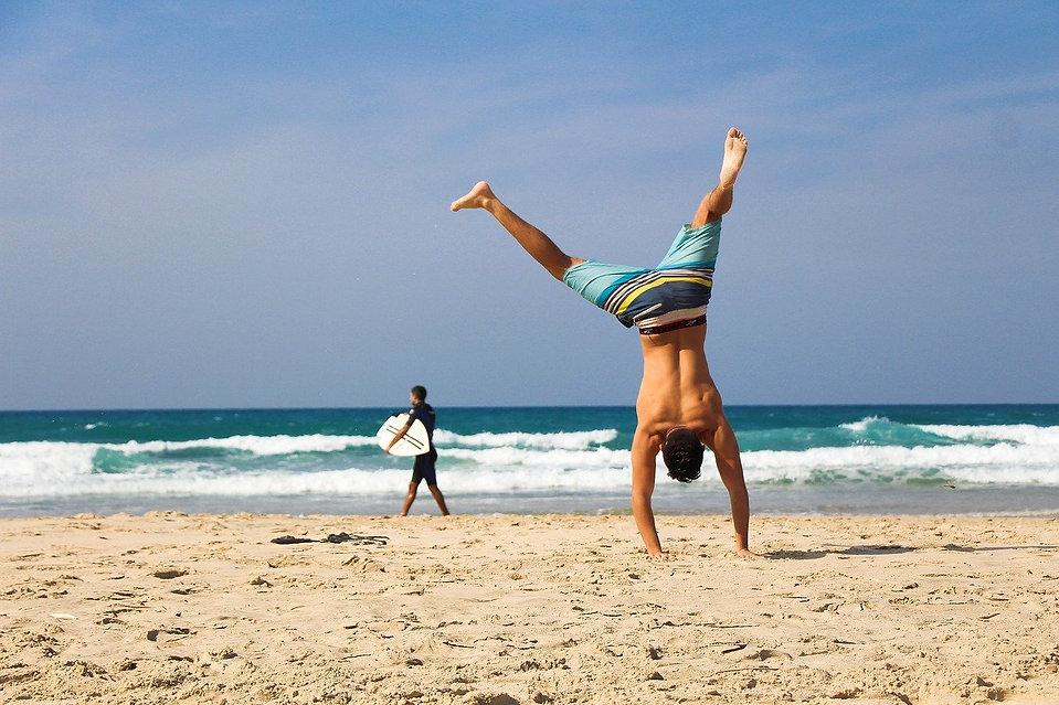 handstand-2224104_1280 (1).jpg