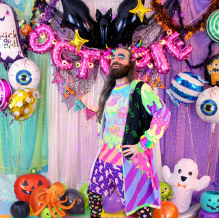 """🖤Neon """"Fashion Monster"""" T-Shirt 🖤Dark """"Fashion Monster"""" Long Hooded Cardigan 🖤Purple """"Lil' Ghosties"""" Shorts 🖤Black """"Lovely Candy Heart"""" Tights"""
