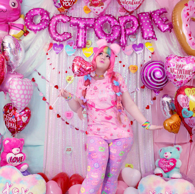 """💖 Pink """"Be My Valentine: Merengue and Cookie"""" T-Shirt 💖 Purple """"OctoParty"""" Velvet Leggings 💖 """"Lovely Candy Heart"""" Hi-Top Shoes"""