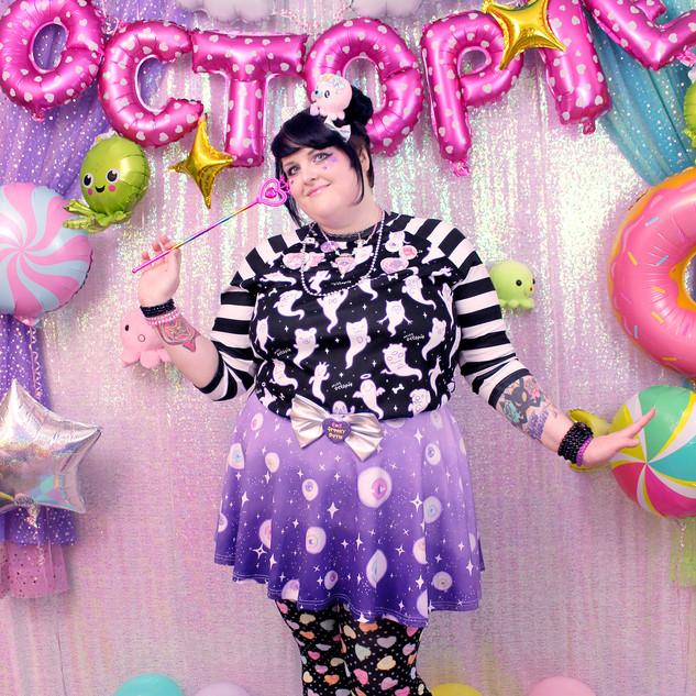 "🖤top: Black ""Lil' Ghosties"" Raglan 🖤bottom: Dark Violet ""Starry Eyes"" skirt 🖤tights: Black ""Lovely Candy Heart"""