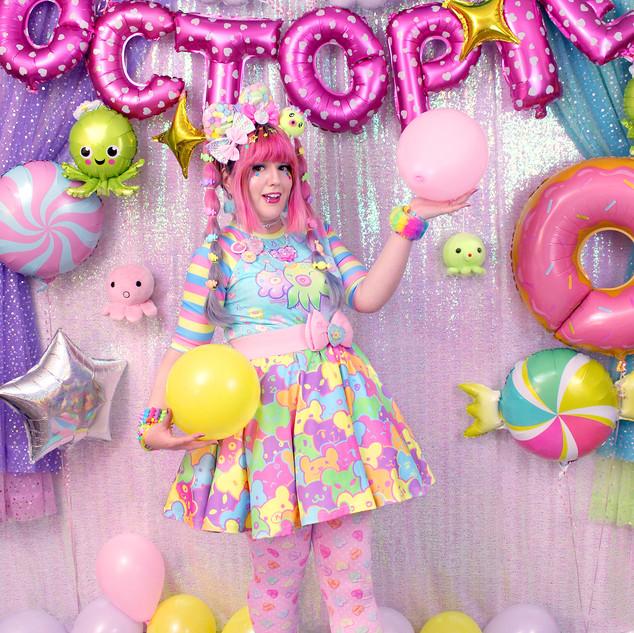 "🌈top: Blue ""OctoParty"" Raglan 🌈bottom: ""Bearie Rainbow"" skirt 🌈tights: Pink ""Lovely Candy Heart"""