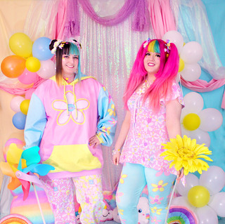 """💐 Pink """"Daisy Cute"""" Color Block Pullover Hoodie 💐 Pink/Yellow """"Daisy Cute"""" Sweatpants 🌸 Pink """"Daisy Cute"""" Lace-up Flare Top 🌸 Blue """"Daisy Cute"""" Solid Velvet Leggings"""