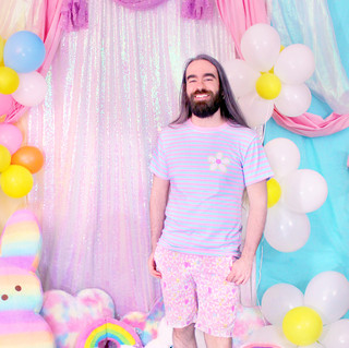 "💐 Blue ""Daisy Cute"" Striped T-Shirt 💐 Pink ""Daisy Cute"" Zipper Long Shorts 💐 ""DreamyOcto"" Hi-Top Shoes"