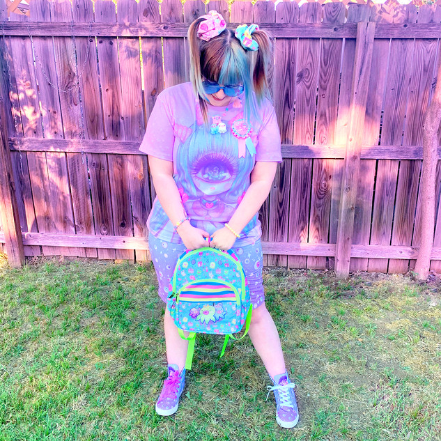"🌸 ""Pastel-Fairy"" T-Shirt 🌸 Blue ""Starry Eyes"" Zipper Long Shorts 🌸 ""Starry Eyes"" Hi-top Shoes 🌸 Blue ""OctoParty"" Backpack"