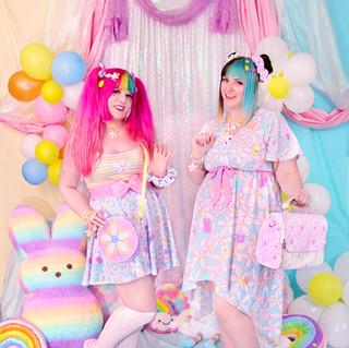 "💐 Yellow/Pink ""Daisy Cute"" Striped Spaghetti Strap Top 💐 Blue ""Daisy Cute"" Skirt 💐 Pink Bow Belt 💐 Pink ""Daisy Cute"" Hi-Top Shoes 💐 Pink ""Daisy Cute"" Round Shoulder Bag 🌸 Blue ""Daisy Cute"" Flutter Sleeve High Low Dress 🌸 Pink ""Daisy Cute"" Satchel Shoulder Bag"