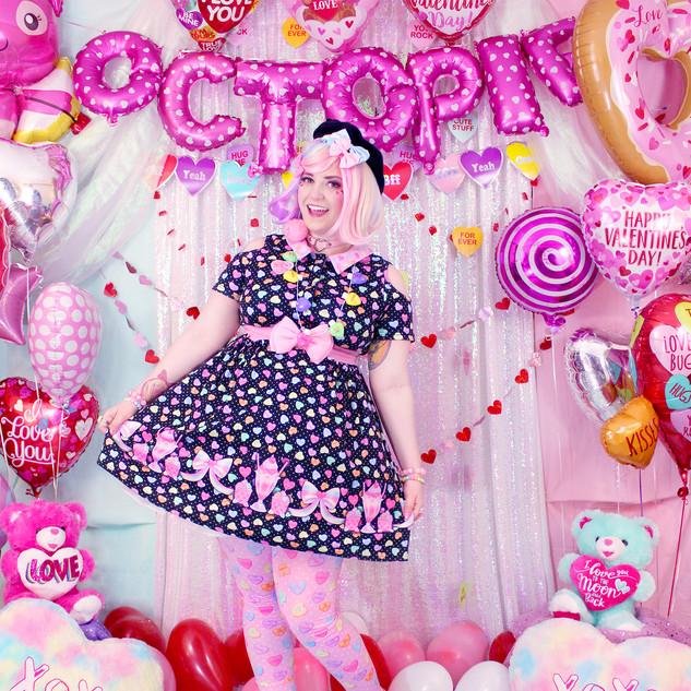 "💖 Black ""Lovely Candy Heart"" Short Sleeve Cut Out Dress"