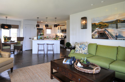3104: Living Room & Kitchen