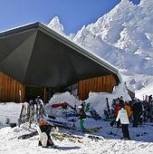 Ski whakapapa with a winter snow holiday