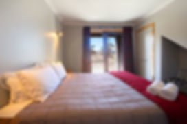Large king beds at Parkview Apartments in National Park Village