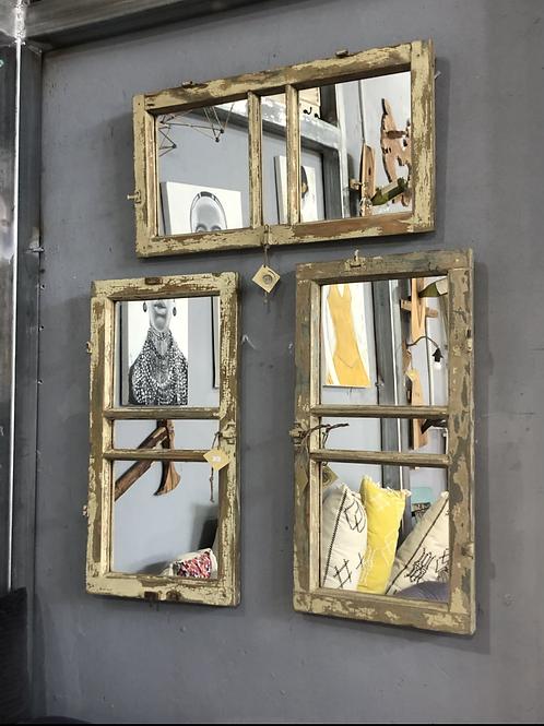 חלון וינטג׳ מראה