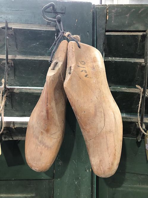 זוג נעלי סנדלר