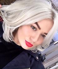 Meet_Chloe._A_hair_stylist_at_Diane_Jame