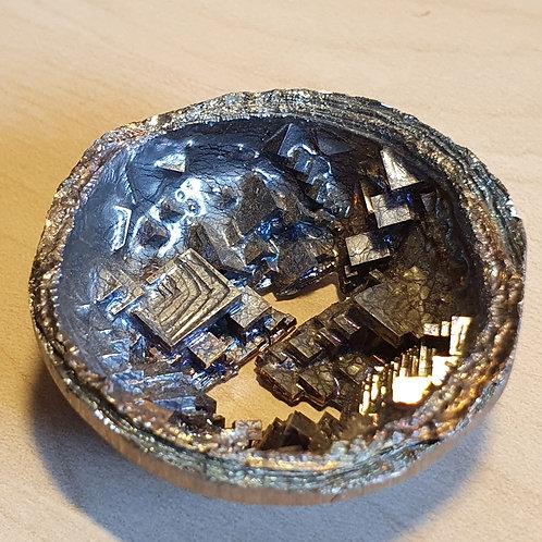 Géode de bismuth  Ø env. 4.5 cm - 55 g
