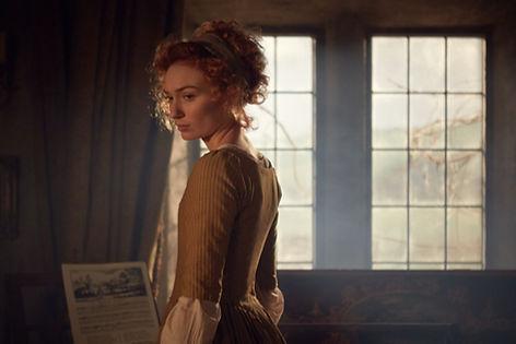 Eleanor Tomlinson films Poldark on set a