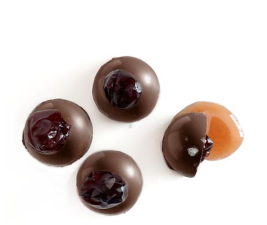 Chocolat noir à l'amaretto Avril fond bl