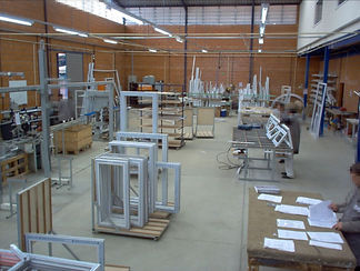 fabricaYziplas-2.jpg