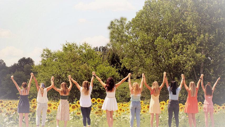 Sunflower%20girls%20(2)_edited.jpg