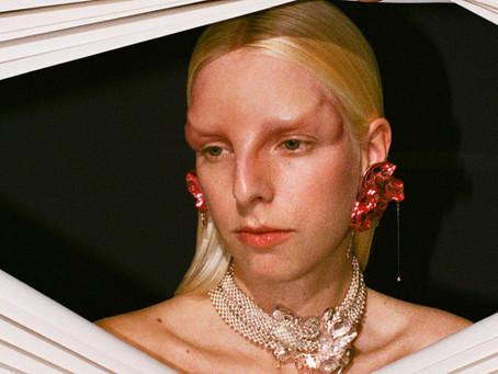 The sensual jewellery design of Hugo Kreit