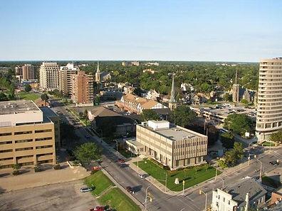Sarnia_City_Hall_and_Downtown.jpg