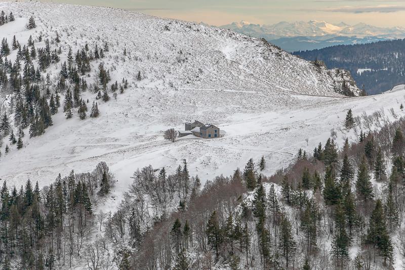 refuge entre deux colines