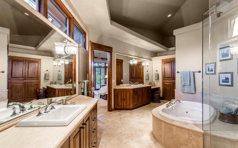 34750 Fox Ridge Rd, Evergreen CO