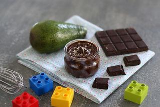 Petit_pot_de_crème_chocolat-avocat_-_cop